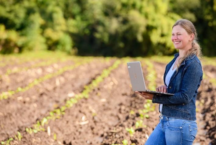 Mulheres transpõem barreiras e assumem posições em todas as áreas do agronegócio
