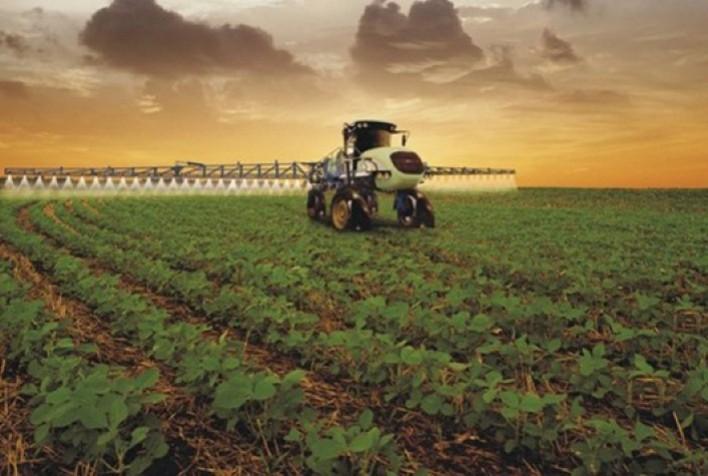 Qual a importância do uso de fungicidas de amplo espectro no manejo de doenças em soja?